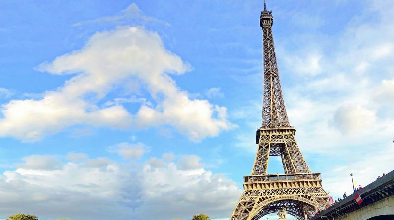 View of the Eiffel from the Bateau Marches