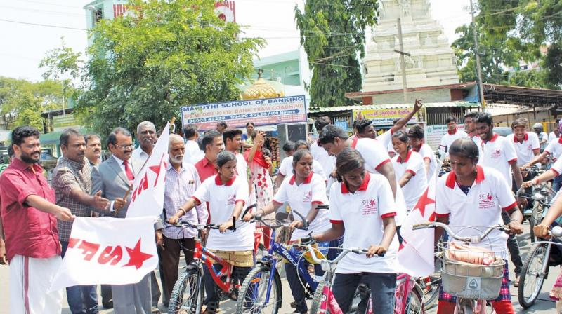 Coimbatore: SFI bicycle rally for upgrading school infra