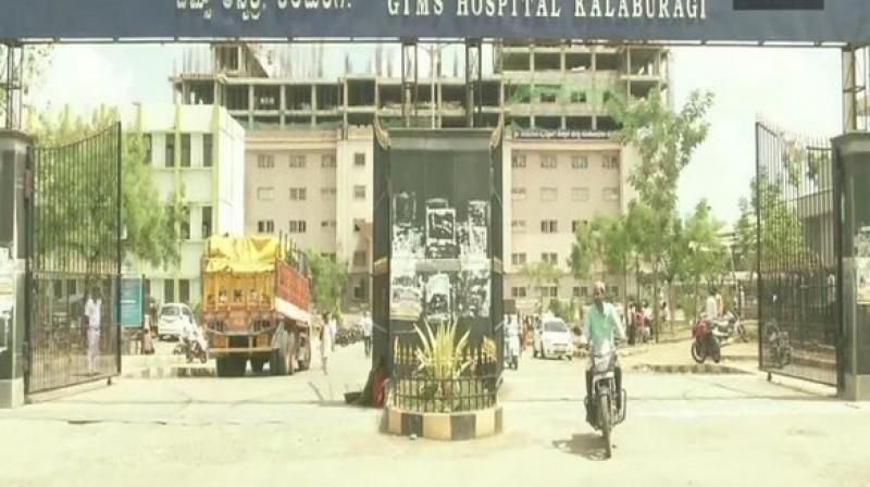 Dr Shivakumar, Medical Superintendent, GIMS, said that after the issue of the water crisis was reported to higher authorities, the institute has been provided with four tankers of water, but that too is not mitigating its water woes. (Photo: ANI Twitter)
