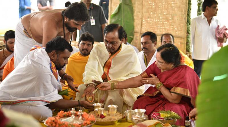 TRS president and caretaker Chief Minister K Chandrasekhar Rao performed 'Raja Syamala Yagam', 'Chandi Yagam' and other rituals in his farmhouse in Erravalli in which his wife and other family members participated. (Photo: Facebook Screengrab | @KalvakuntlaChandrashekarRao)