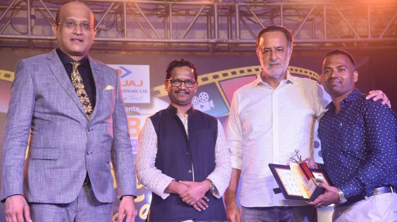 CFBP President CFBP Swapnil Kothari, jury members Vishwanath Sabale, Abhay Aima and winner of poster Madan Pawar.