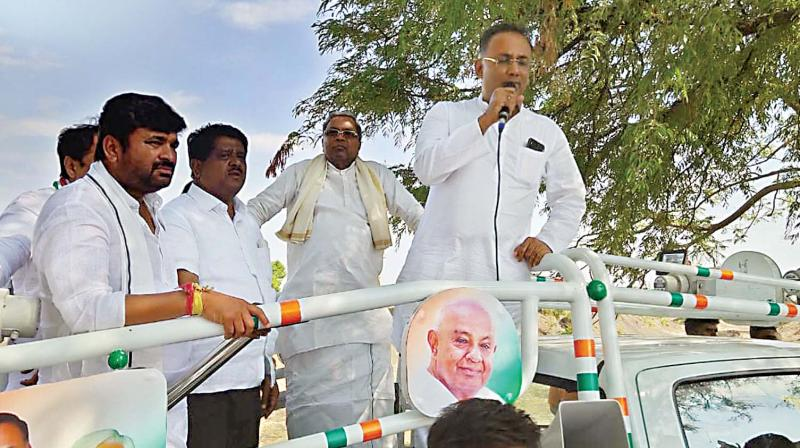 Siddaramaiah & KPCC President Dinesh Gundurao campaigning in Kundgol on Thursday.