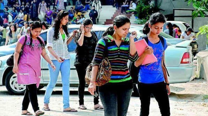 Mumbai college girls