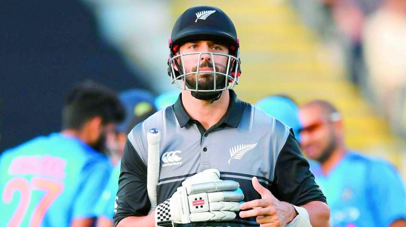 Once again, the DRS has come under hammer after New Zealand batsman Daryl Mitchell was given out in a controversial LBW dismissal.