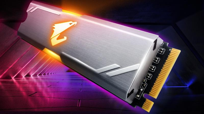 Freshly launched, AORUS RGB M.2 SSD comes in two mainstream storage capacities: 256GB and 512GB. The SSD delivers sequential read speeds up to 3480MB/s and sequential write speed up to 2000MB/s and is built with anodized, aluminum heatsinks for excellent heat dissipation to prevent heat from being detrimental to storage performance.