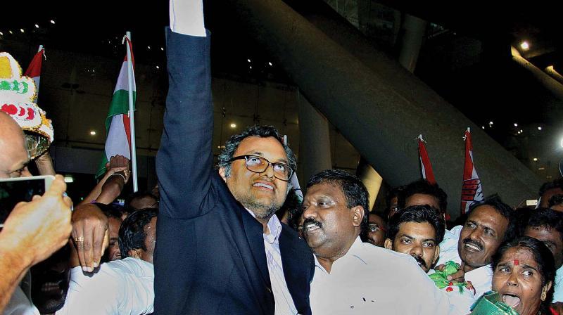 SC extends interim relief from arrest to Karti Chidambaram