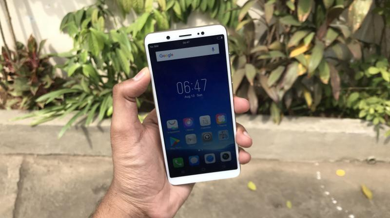 Priced at Rs 17,399, the smartphone looks a competitive option, considering there aren't many exceptional phones in this price segment creating plenty of opportunity for the device maker to grab a good percentage of the market share. But is the Vivo V7 worth putting your bets on?