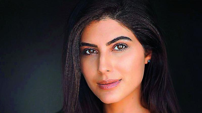 Elnaaz Norouzi.
