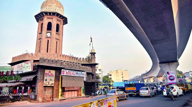 The traffic speed in the city, which recently increased from 13 to 27.1 kmph, is expected to move faster after the commencement of Metro Rail services.