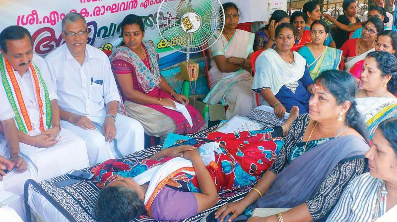 MC Nipah heroes on hunger strike