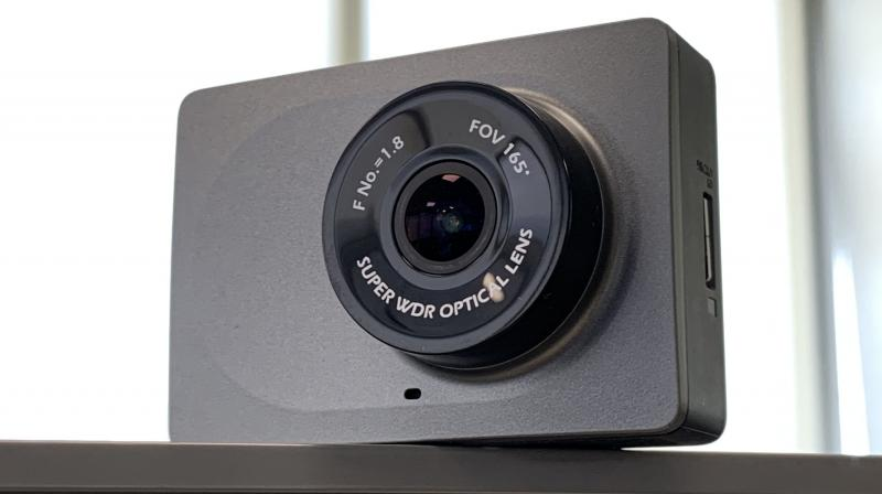 The Yi dash camera is driven by Yi's own 40nm A12 chip featuring a dual-core processor and a DSP processor.