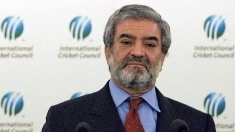 PCB chairman Mani said they had sent invitations to the ICC and all its affiliated boards to attend the Pakistan Super League (PSL) summit clash but the world body's chairman Shashank Manohar, who is an Indian, and BCCI acting-president C K Khanna had cited personal engagements for their unavailability. (Photo: AFP)