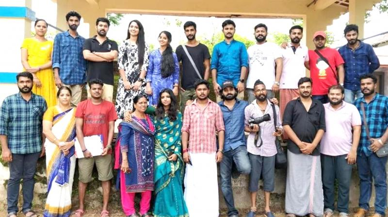 Cast and crew of Vallatha Oru Ithu