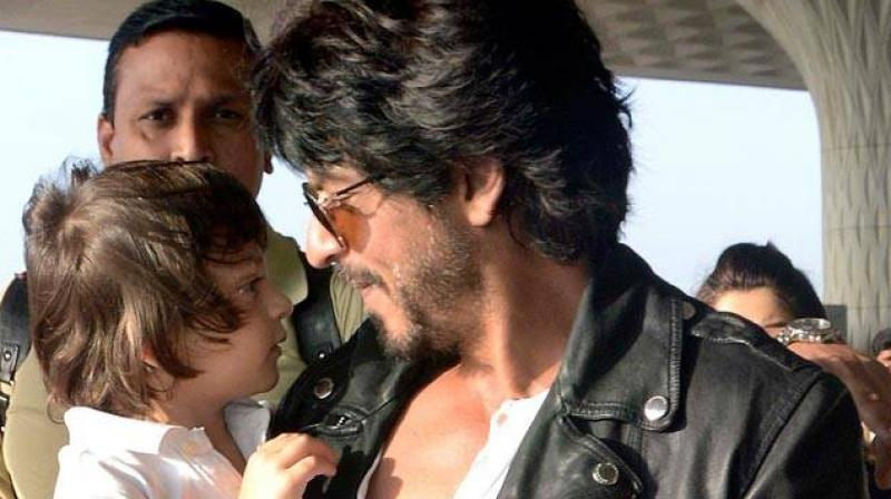 AbRam often accomapnied Shah Rukh during his shoots.