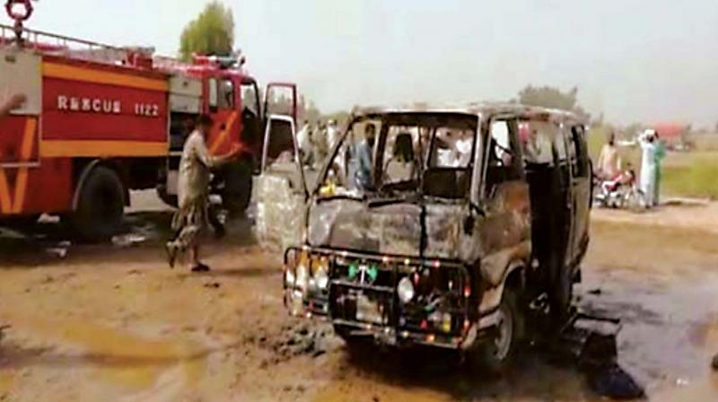 The scene after the accident on the sets of the movie.