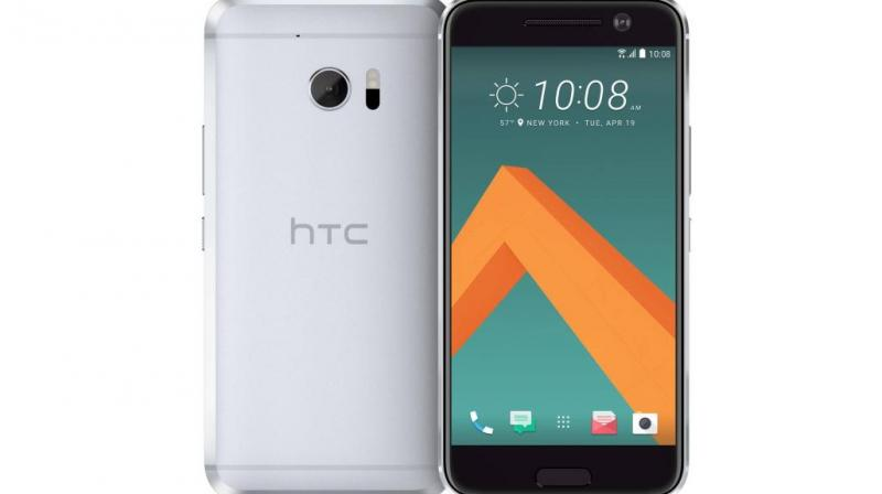 HTC says that they are surprised by the issue as well and the best thing users could do is uninstall the latest update.(image: HTC 10)