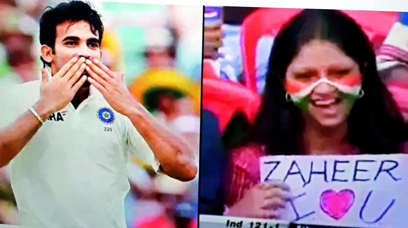 During the Test match between India and Pakistan in Bengaluru, in 2015, a female fan carried a placard with an 'I love you' message written for pacer Zaheer Khan. At one point, she even blew a flying kiss to him. And to everyone's surprise, Zaheer gave a flying kiss back!