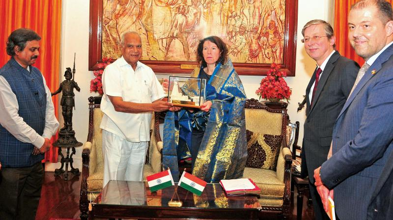 Binanca Debaets, state secretary for development cooperation of Brussels, Belgium called on governor Banwarilal Purohit  at Raj Bhavan on Wednesday. (Photo:DC)