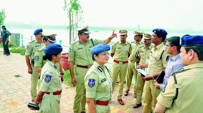 Hyderabad police commissioner Anjani Kumar, additional commissioner Shikha Goel and senior police officials on Saturday inspect Tank Bund, venue of the RTC JAC's Million March on Sunday, and surrounding areas. (Photo: P. Surendra)