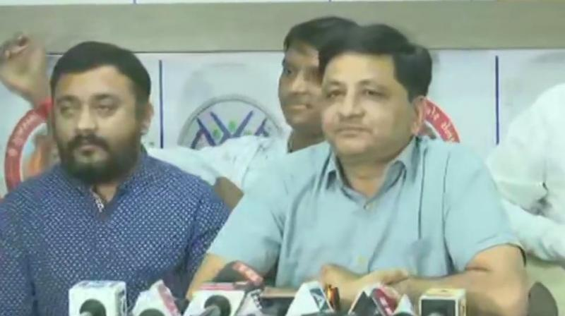Alpesh was given an ultimatum by the Sena to choose either the Congress or the Thakor Sena. Alpesh and Zala quit the Congress in April 2019. (Photo: ANI)