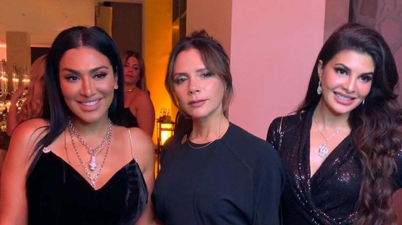 The Murder 2 actress was seen chilling with former Spice Girls singer and fashion designer Victoria Beckham.