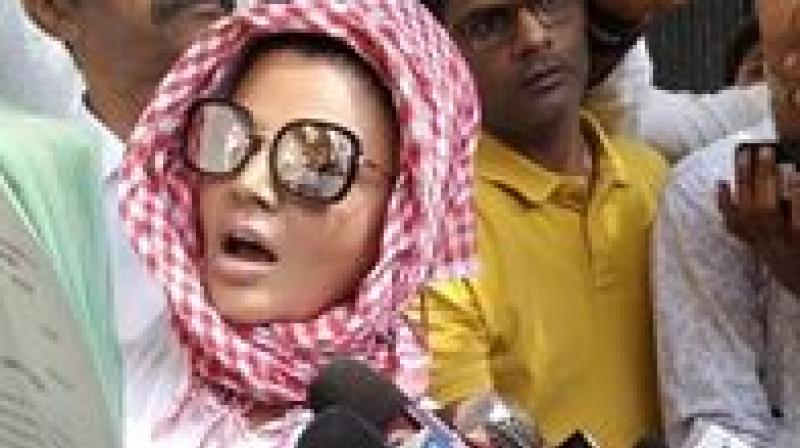 Rakhi Sawant urged court to order Tanushree to pay her 25 paise as damages for 'maligning her reputation' and to tender an unconditional apology in 'print, television and social media'. (Photo: Facebook   @RakhiSawantOfficialPage)