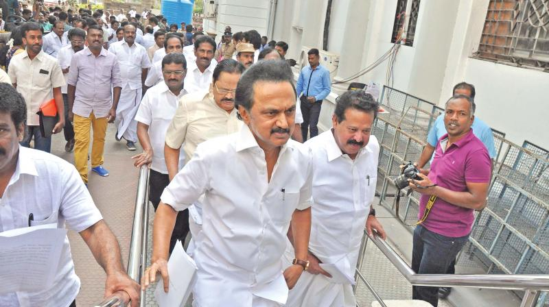Tamil Nadu assembly session begins, DMK walks out