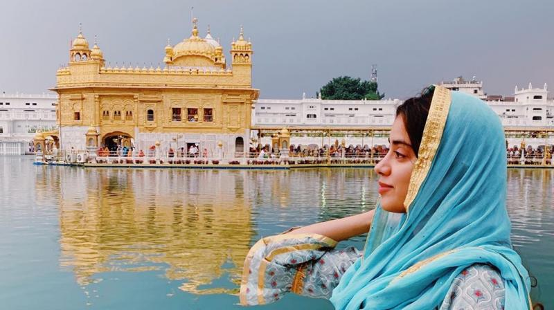Janhvi Kapoor at Golden Temple. (Photo: Instagram)