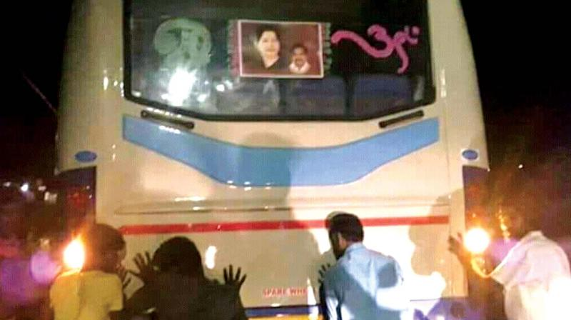 Tamilnadu recent release luxury buses faces technical problems