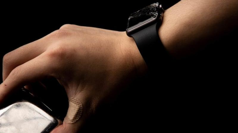 As you can see some of these photos that have been captured showcase an Apple Watch with a plethora of cracks that cover the face of the touch surface