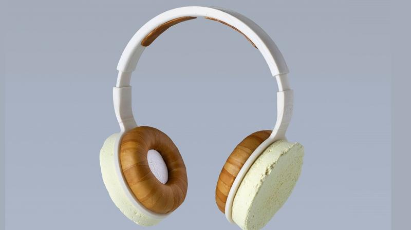 The prototype looks like a regular headphone but the innards to make it function like one are missing.