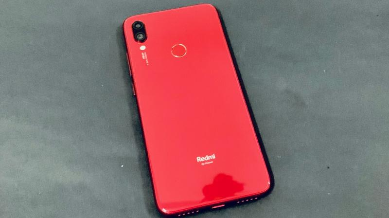 The Redmi Note 7S is a stunner.