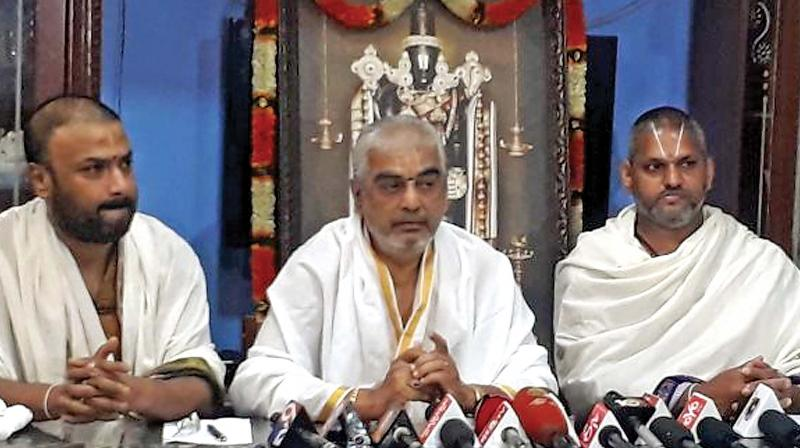 Chief Priest Ramana Deekshithulu adressing the press meet at TTD, asking for a CBI probe into malpractices. (Photo: DC)