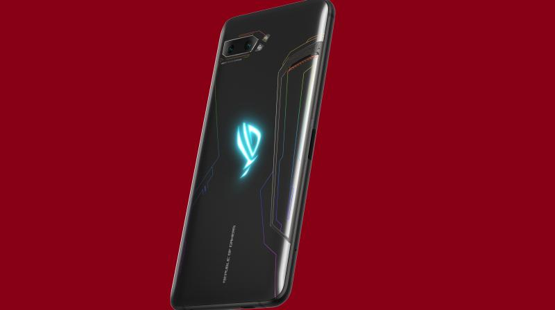 Going for sale from the 30th of September, the phone will have a launch price of Rs 37,999 for its 8GB RAM / 128 GB storage variant and Rs 59,999 for its 12GB RAM / 512 GB storage variant.