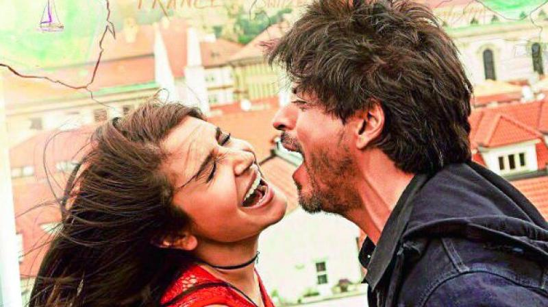 Shah Rukh Khan and Anushka Sharma in a poster of Jab Harry Met Sejal