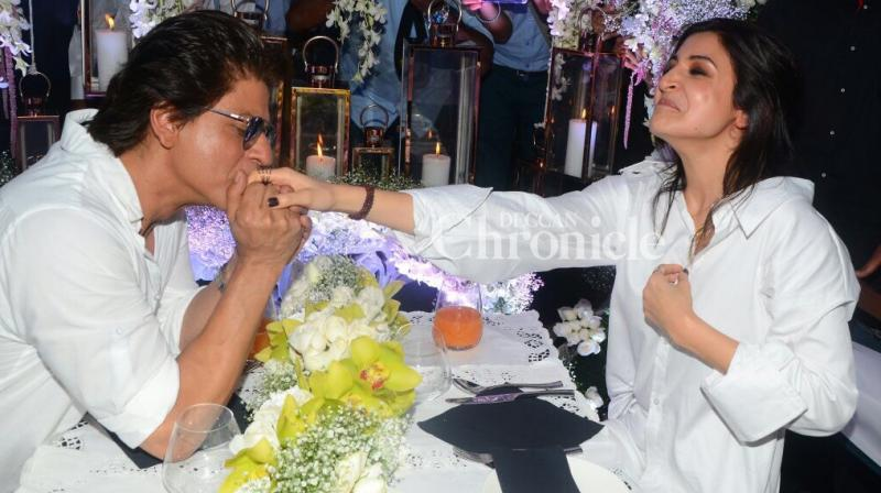 Shah Rukh Khan and Anushka Sharma made the launch of a song from their film 'Jab Harry Met Sejal' memorable by actually enjoying a date in Mumbai on Wednesday. (Photo: Viral Bhayani)
