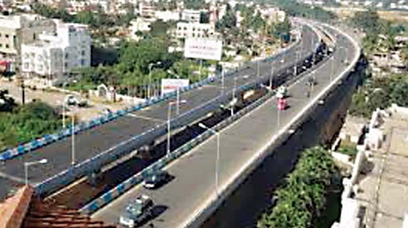 The group, which had earlier spearheaded the Steel Flyover Beda movement, wants the government to cancel the tender process and instead take measures to boost public transport.