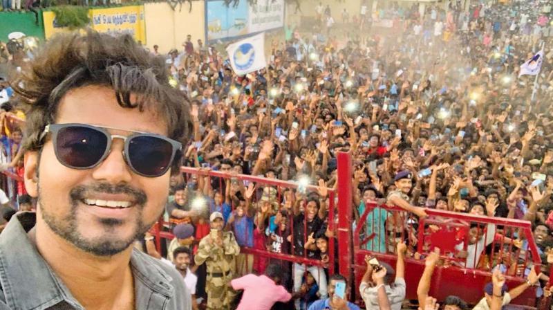 Vijay selfie with fans in Neyveli goes viral