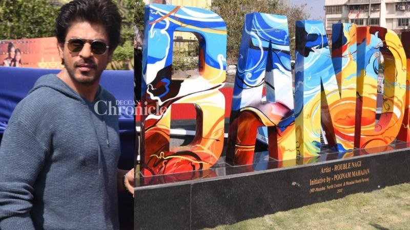 Shah Rukh Khan launched on Tuesday an interesting sculture based on the place Bandra in Mumbai where he resides. (Photo: Viral Bhayani)