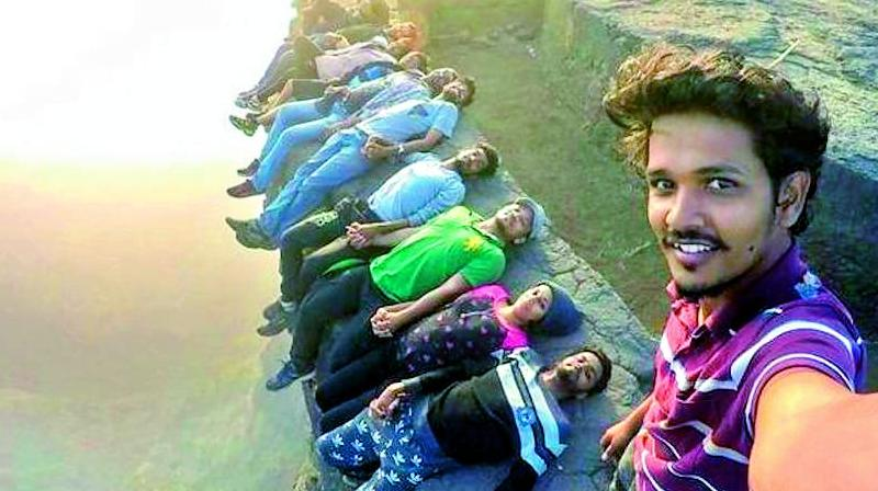 A group of Indian youth taking a Killfie (Picture credit: Youtube)