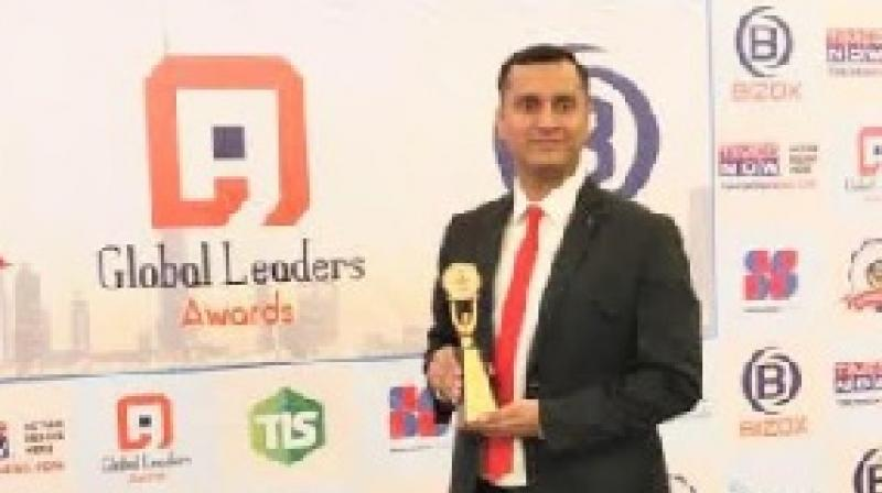 Jayant Jha, Co-founder and CEO Yaantra with the Award.