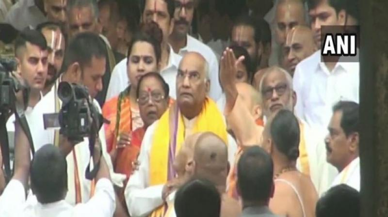 The President who is on a three days visit to the state on Saturday visited temples of Goddess Sri Padmavathi Ammavaru at Tiruchanur and Lord Kapileswara Swami at Tirupati. (Photo: ANI)