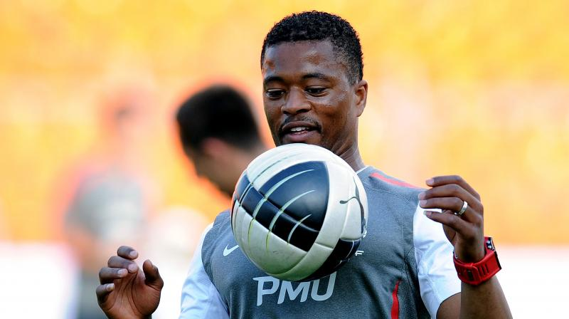 Evra reunites with Moyes at West Ham