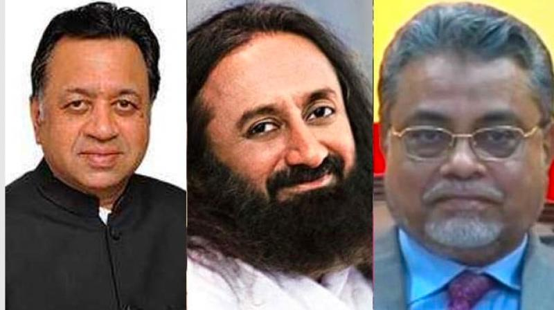 Advocate Sriram Panchu (left), Sri Sri Ravi Shankar (centre), Justice FM Kalifulla (right) (Photo: File)