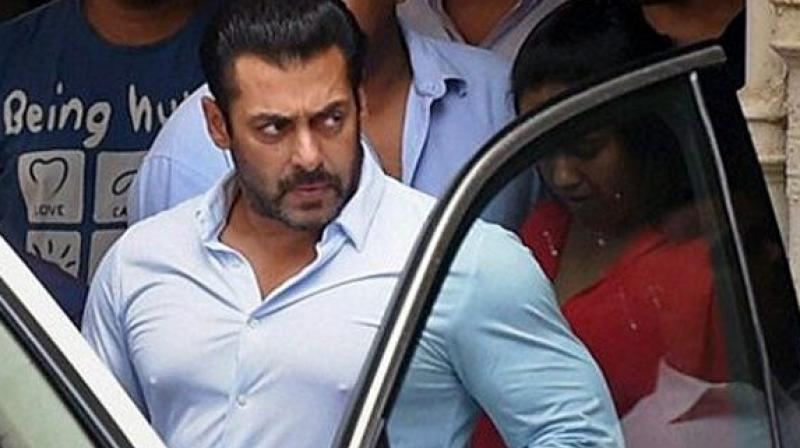 Salman Khan still comes to the shooting spot with Armed gun men for protection