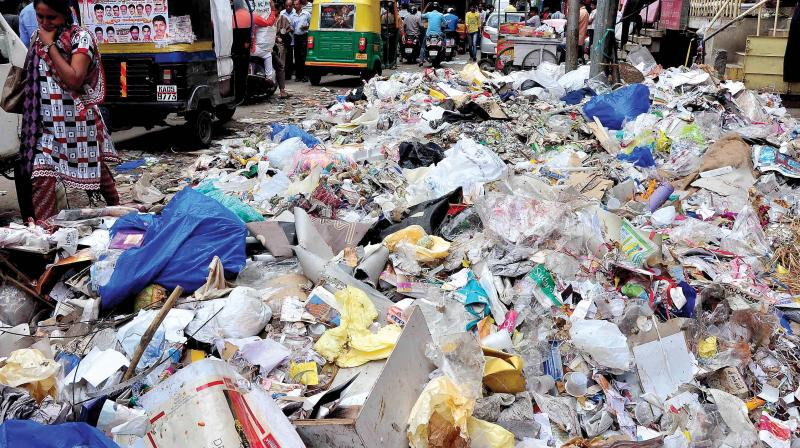 As per the Bruhat Bangalore Mahanagara Palike (BBMP), the city generates 4,000 metric tons of municipal solid waste, out of which 350-400 metric tons are of plastic.