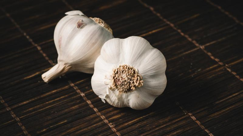 Scientists say garlic can reduce risk of cancer, heart disease. (Photo: Pexels)
