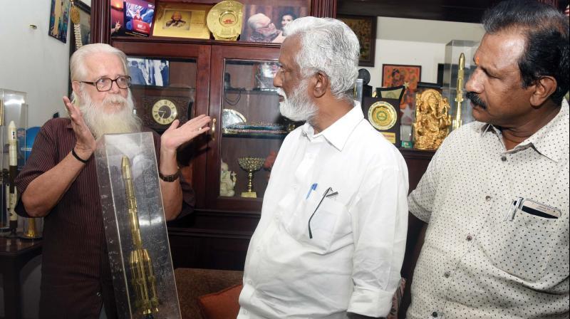 Bjp State President Kummanam Rajasekharan Calls On Former Isro Scientist Nambi Narayanan At His Residence In