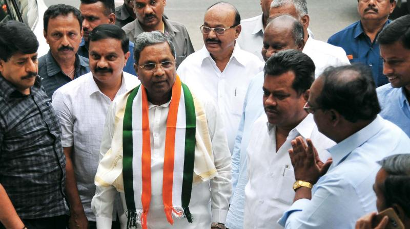 Former CM Siddaramaiah on his way to attend a meeting of the KPCC in Bengaluru on Saturday