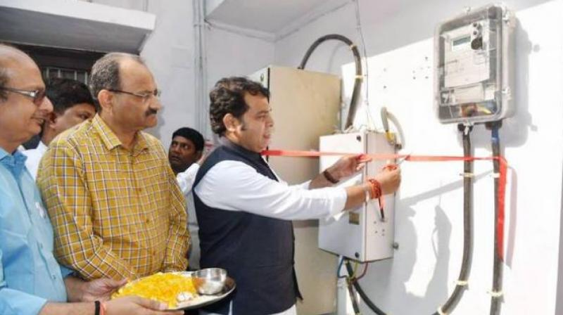 Sharma said that he took this step to remove the growing perception of politicians and officials of not paying their dues leading to higher arrears.  The decision to install prepaid meters in residences of politicians, ministers, and officials was taken by the energy department on October 29. (Photo: Facebook)